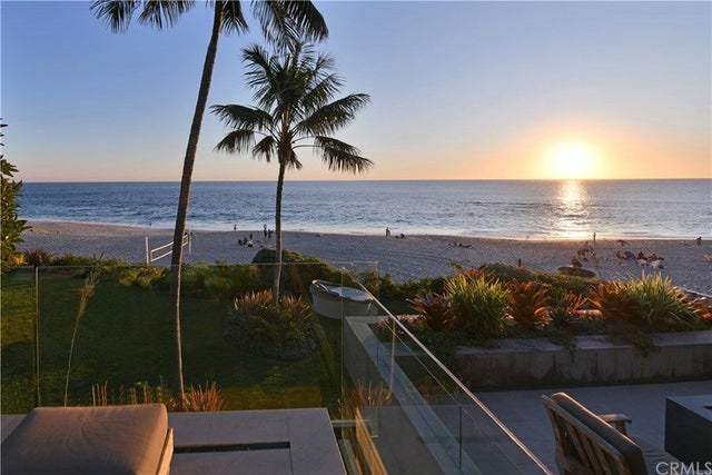 Laguna Beach Beach Front Homes - Beach Cities Real Estate on homes with river view, homes with beach view, homes with panoramic windows, homes with city view, homes with country view, homes with sky view, homes with best view, homes with breathtaking view, homes with sea view, homes waterfront, homes with beautiful view, homes with lake view,