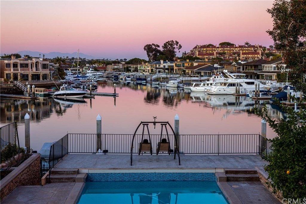 12 Harbor Island, Newport Beach