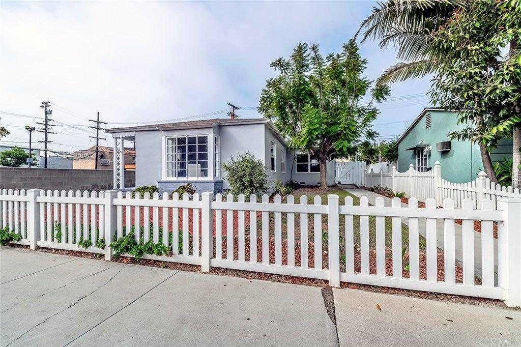 215 Granada Avenue, Long Beach