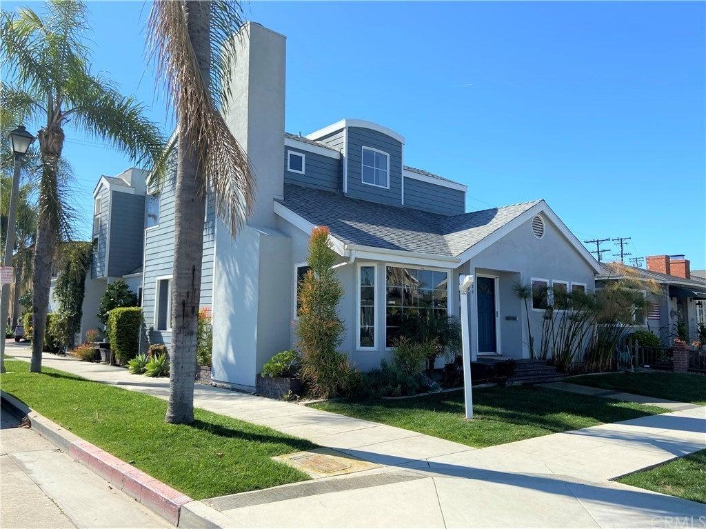 296 Claremont Avenue, Long Beach