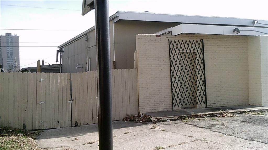 3801 Capitol Avenue MLS 21389803 Empty photo 3