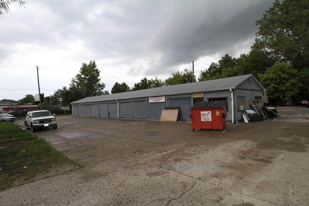 2209 S Keystone Avenue MLS 21594347 Empty photo 1