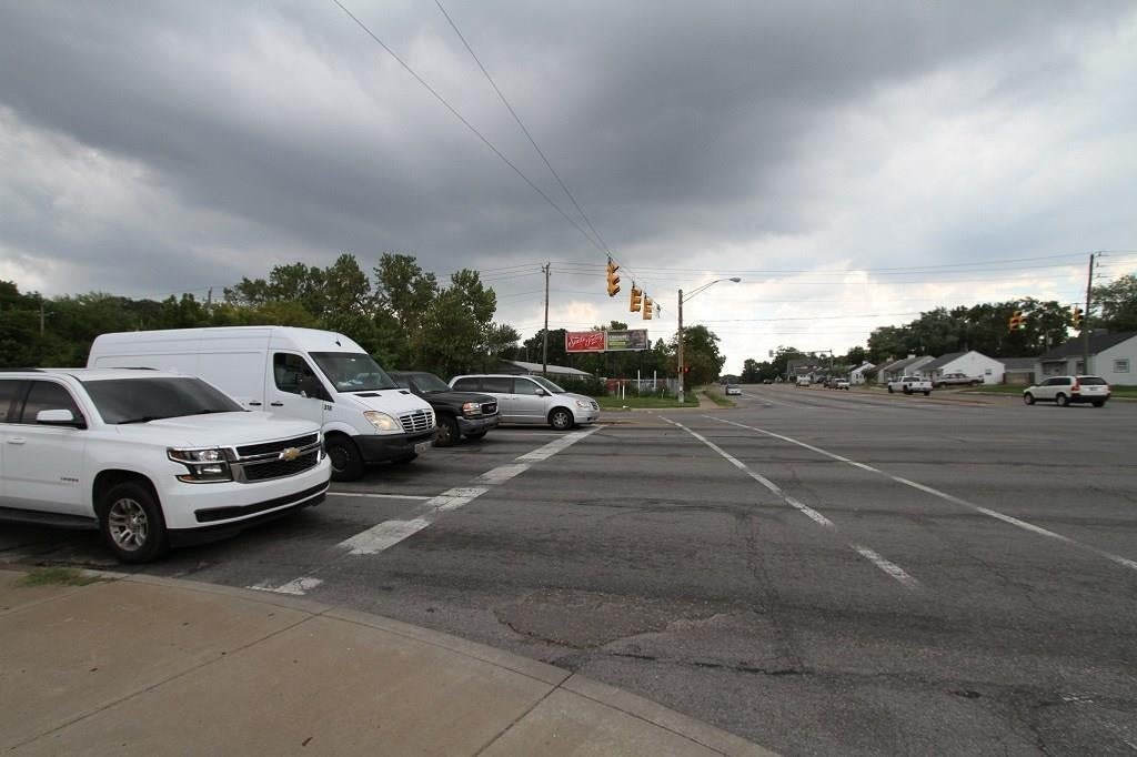 2209 S Keystone Avenue MLS 21594347 Empty photo 3