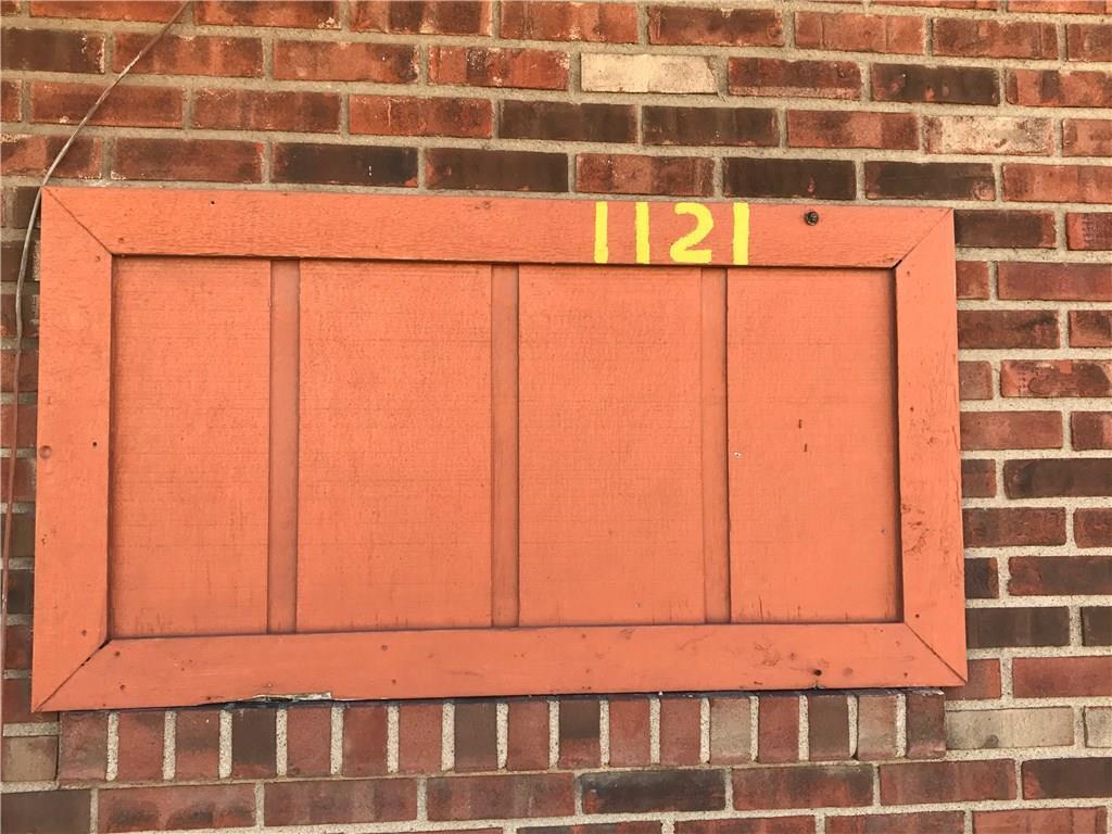 1121 E Troy Avenue MLS 21608049 Empty photo 2