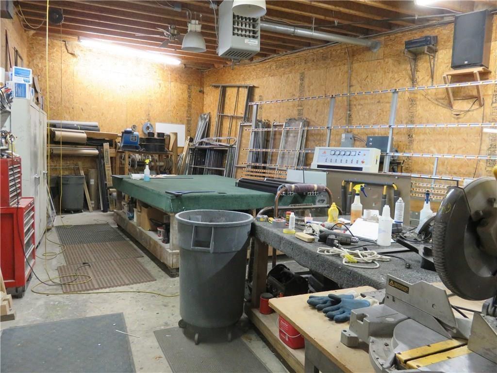 3340 Madison Avenue MLS 21610258 Empty photo 9