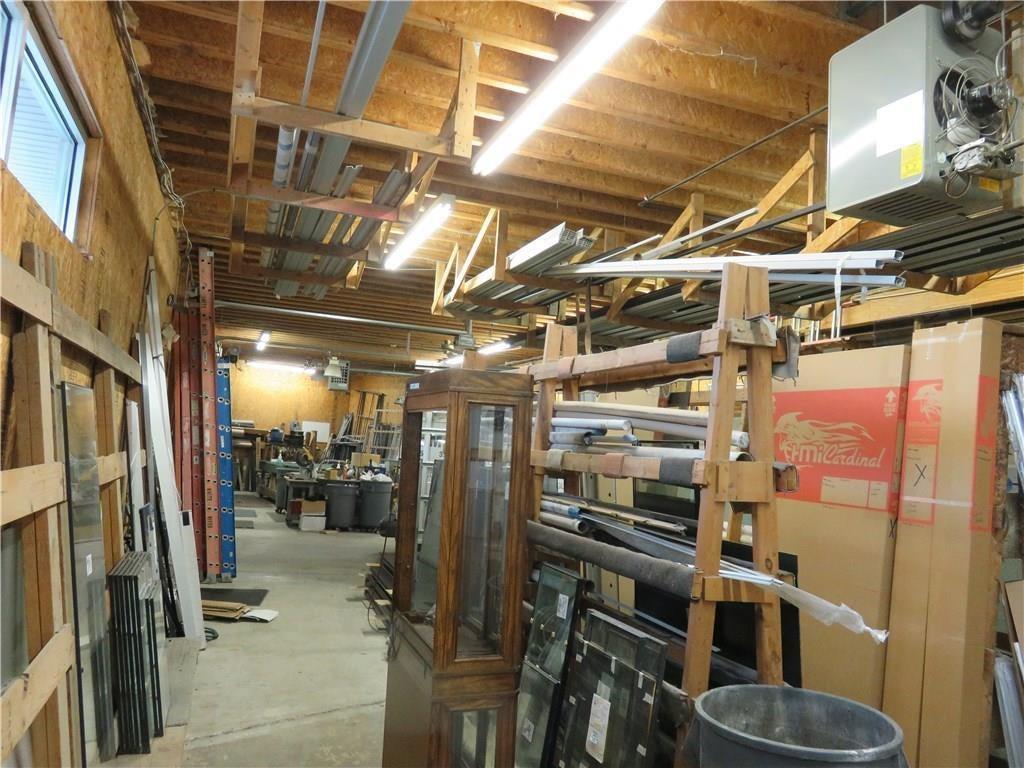 3340 Madison Avenue MLS 21610258 Empty photo 11