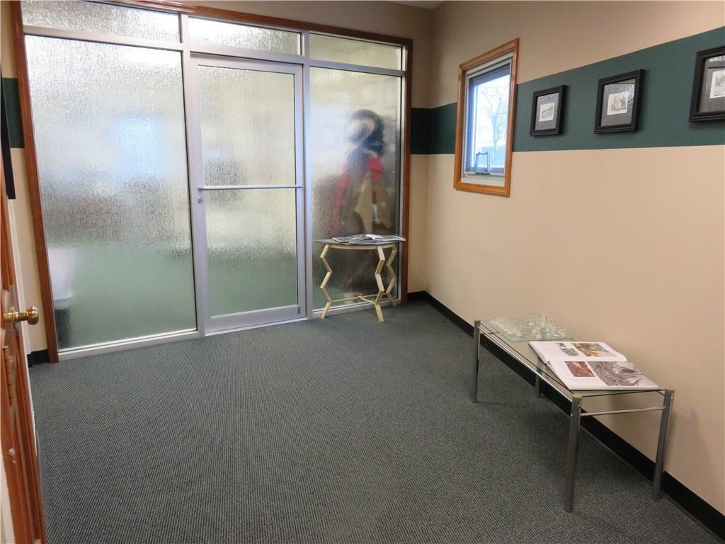 3340 Madison Avenue MLS 21610258 Empty photo 12