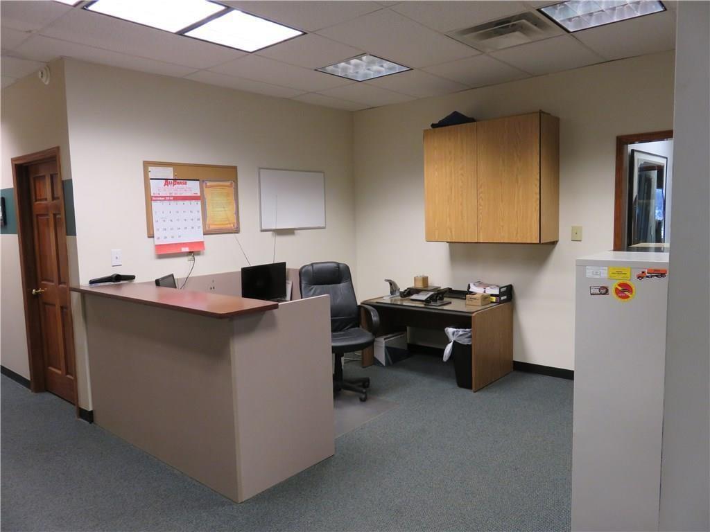 3340 Madison Avenue MLS 21610258 Empty photo 19