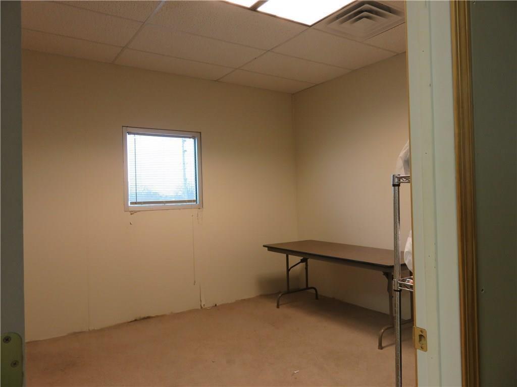 3340 Madison Avenue MLS 21610258 Empty photo 29