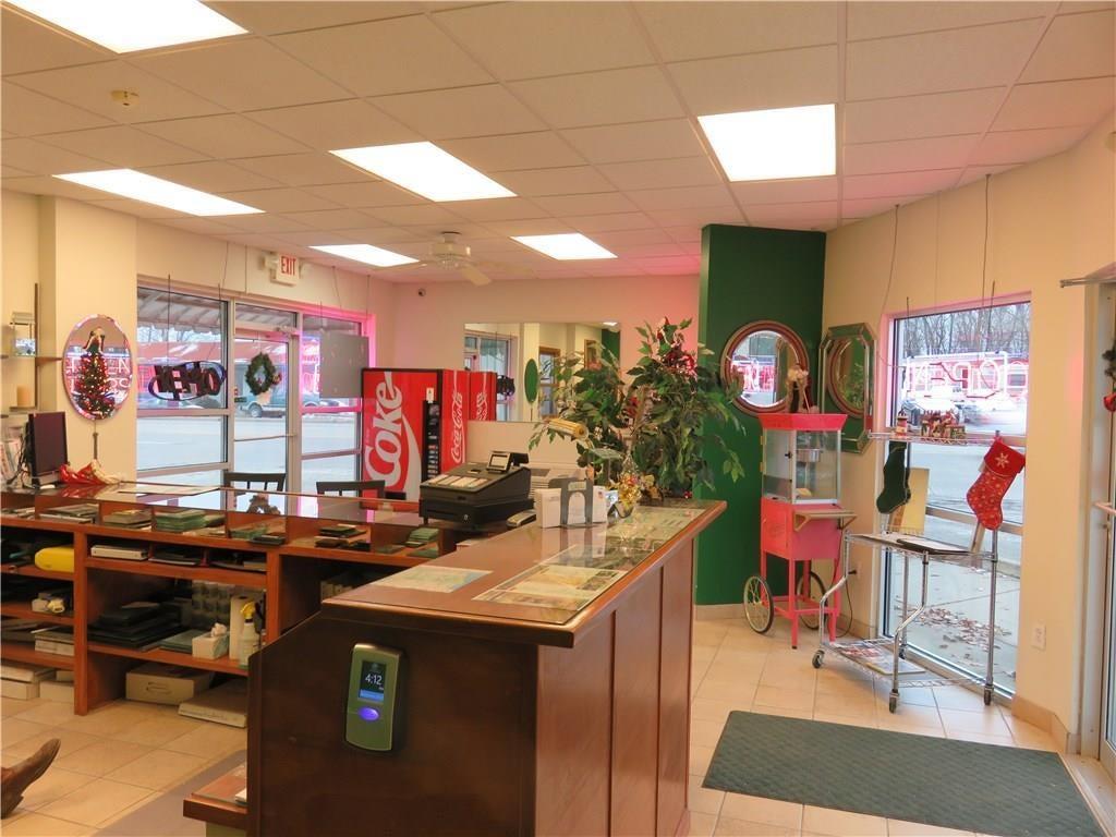 3340 Madison Avenue MLS 21610258 Empty photo 5