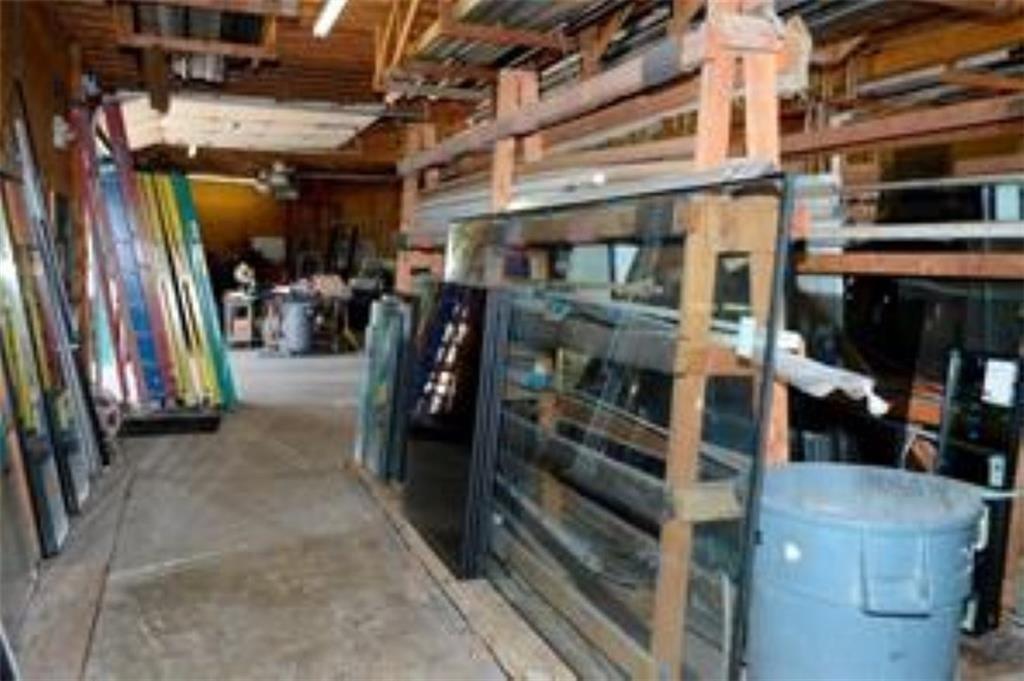 3340 Madison Avenue MLS 21610365 Empty photo 7