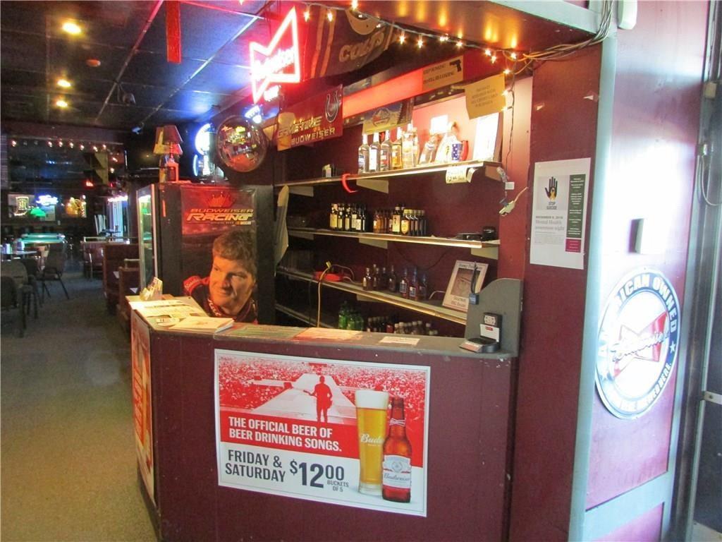 7941 E 30th Street MLS 21610423 Empty photo 13