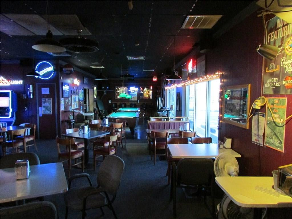 7941 E 30th Street MLS 21610423 Empty photo 14