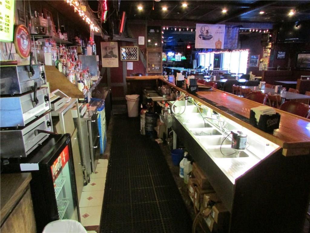 7941 E 30th Street MLS 21610423 Empty photo 19