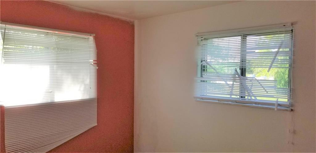 5242 S Emerson Avenue MLS 21631411 Empty photo 17