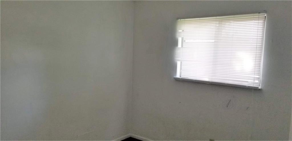 5242 S Emerson Avenue MLS 21631411 Empty photo 18