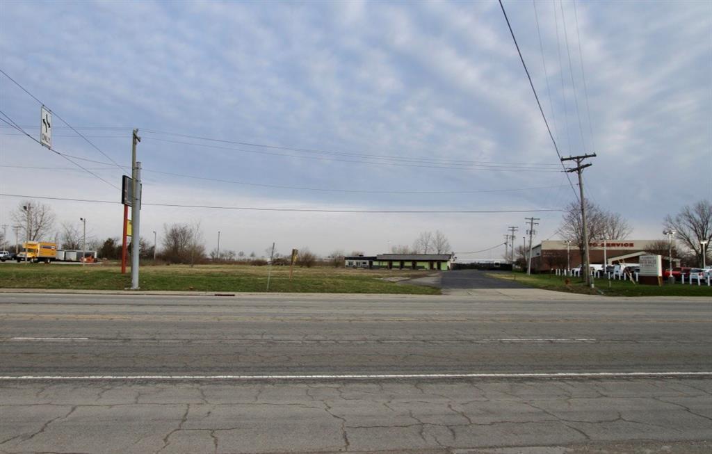 2760 E Main Street MLS 21631905 Empty photo 1