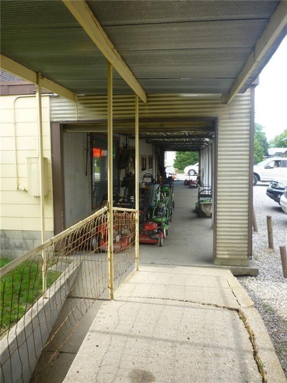 823 E 64th Street MLS 21651349 Empty photo 9