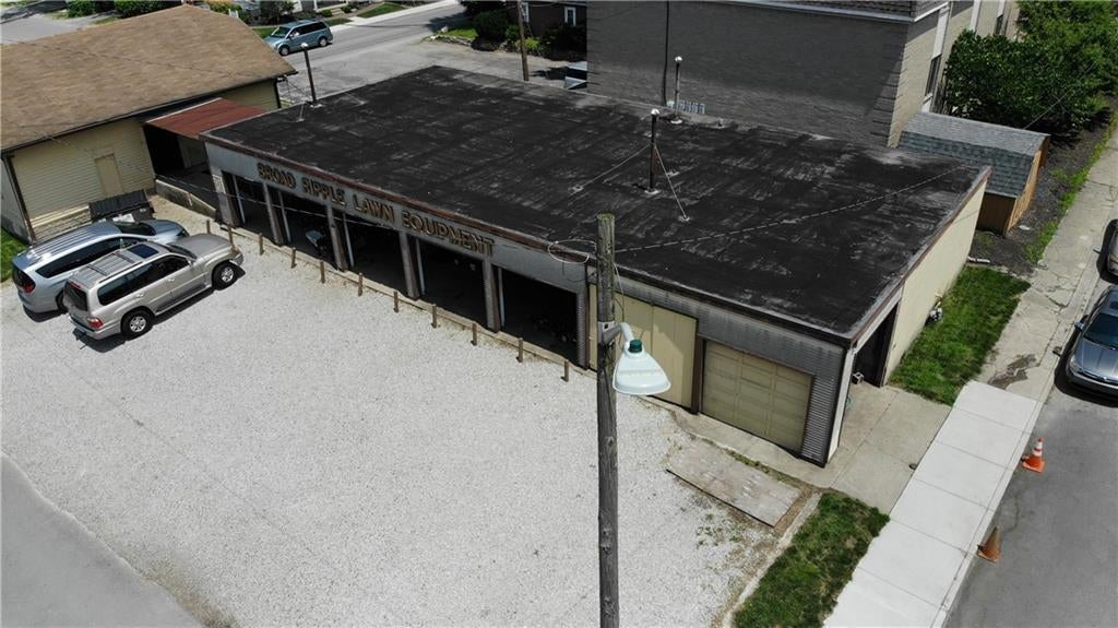823 E 64th Street MLS 21651349 Empty photo 3