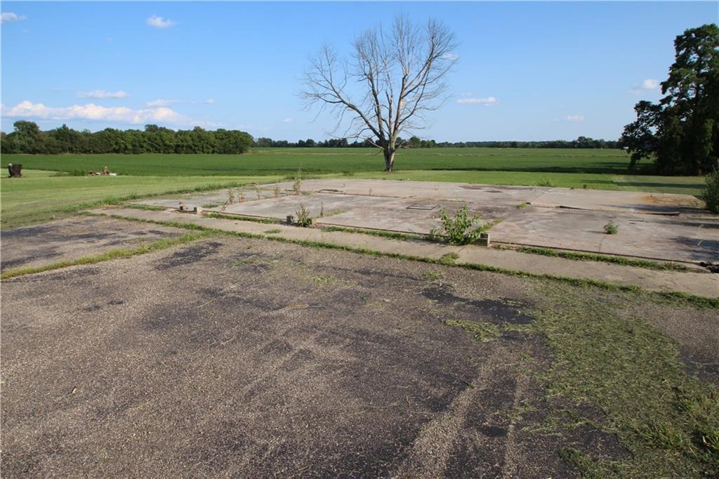 6949 W Us Highway 36 Highway MLS 21656285 Empty photo 5