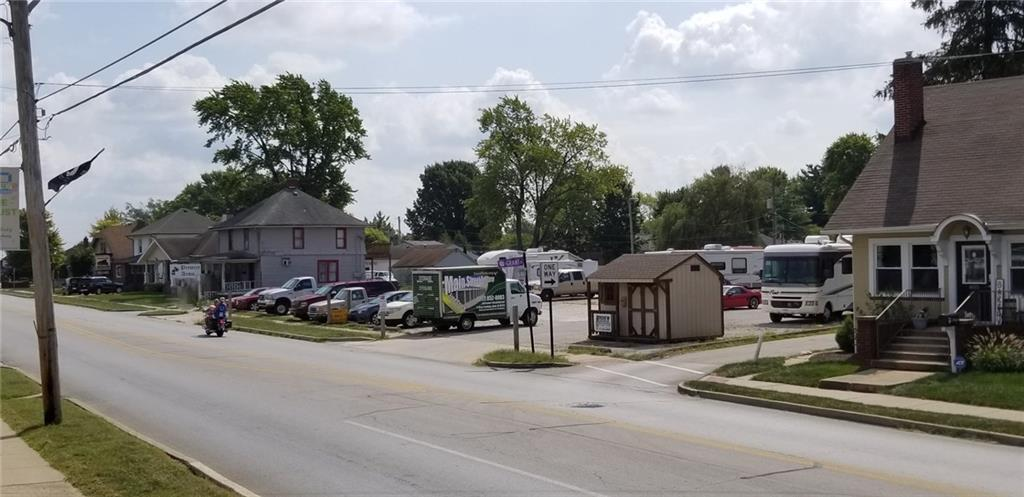 415 E Main Street MLS 21668249 Empty photo 4