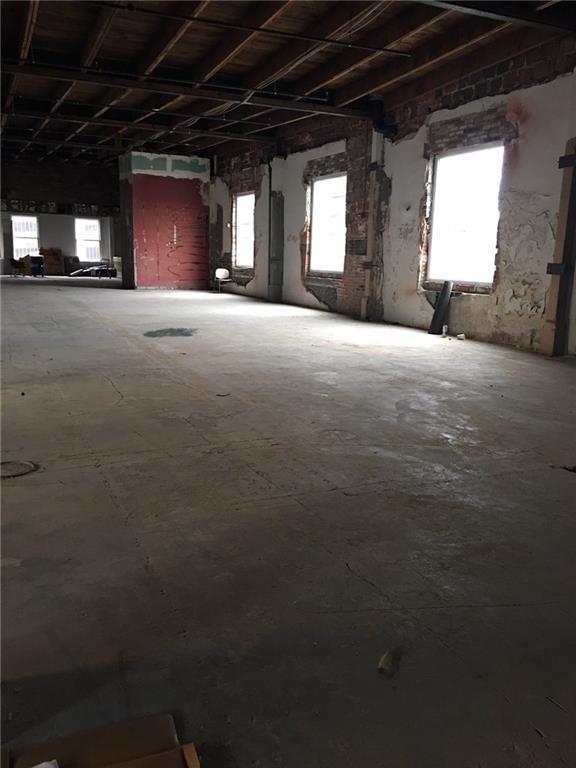 207 N Delaware Street MLS 21672521 Empty photo 5