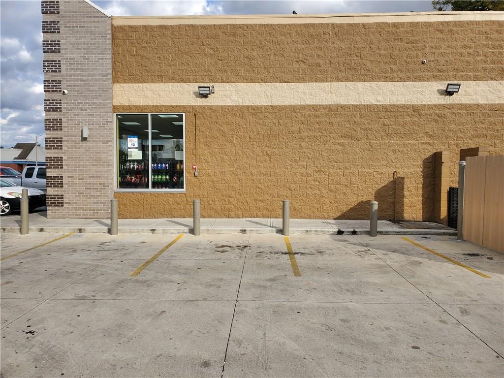 3609 E 38th Street MLS 21672532 Empty photo 1