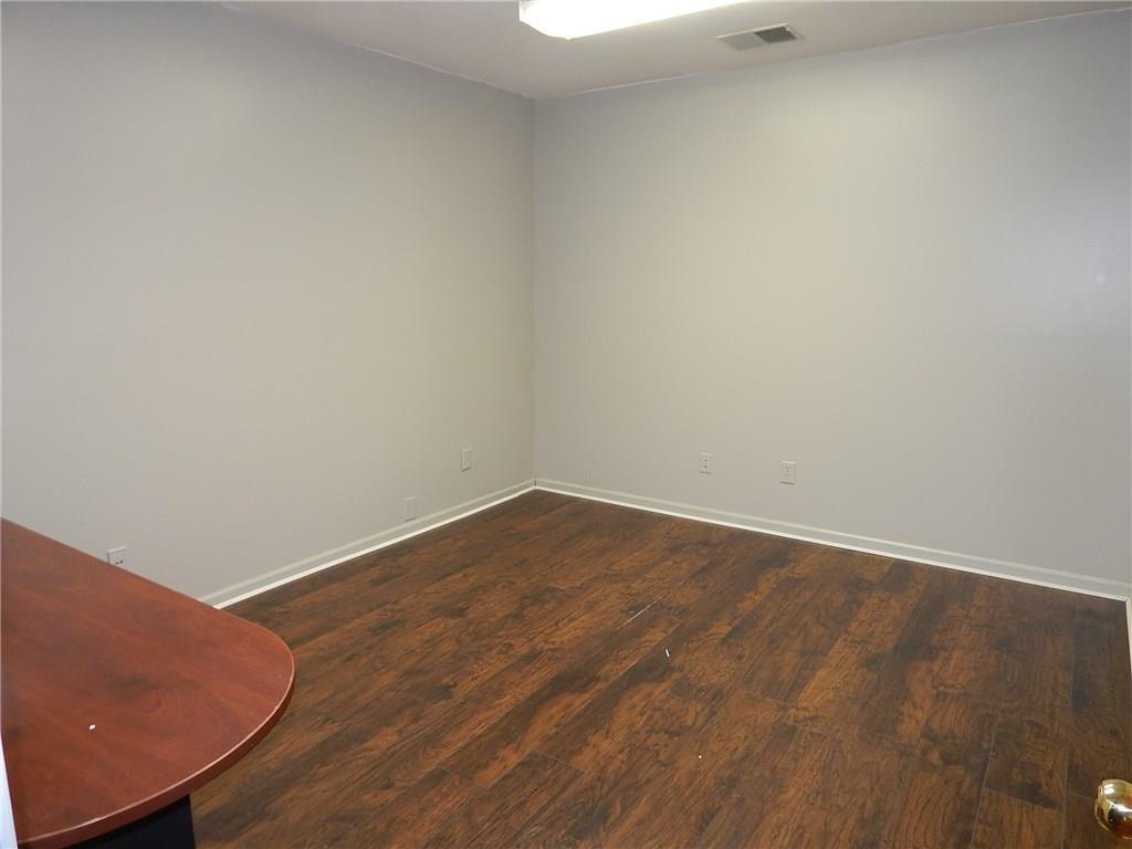8915 S Keystone Avenue A-h MLS 21688332 Empty photo 28