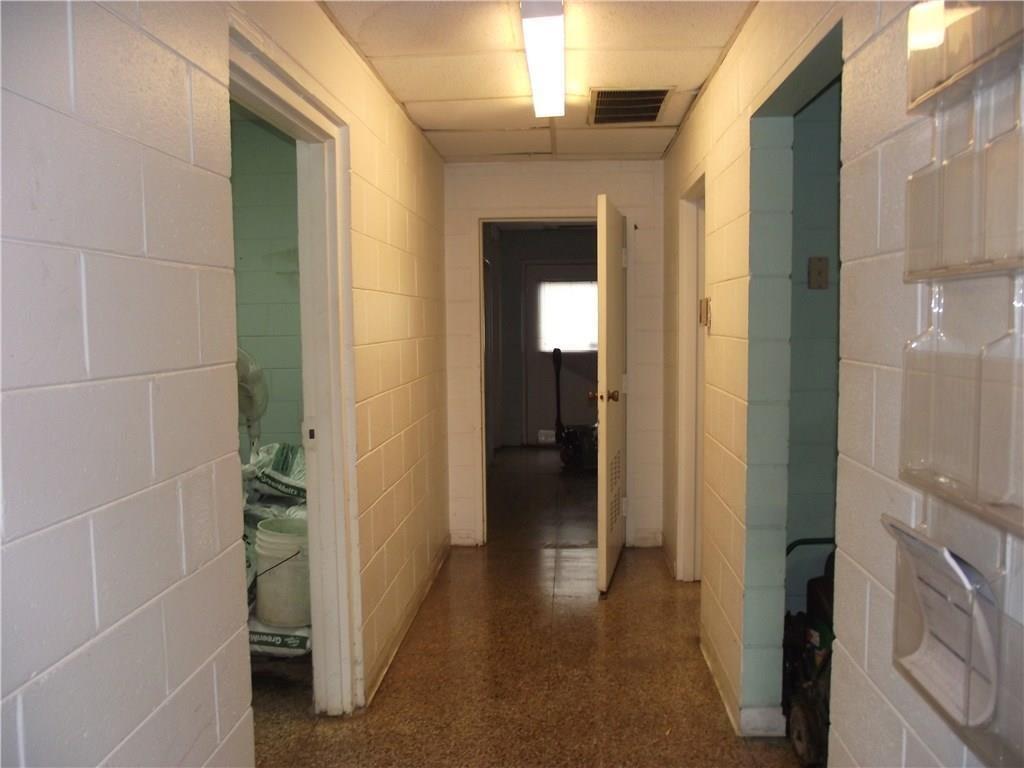 4500 Southeastern Avenue MLS 21690712 Empty photo 9