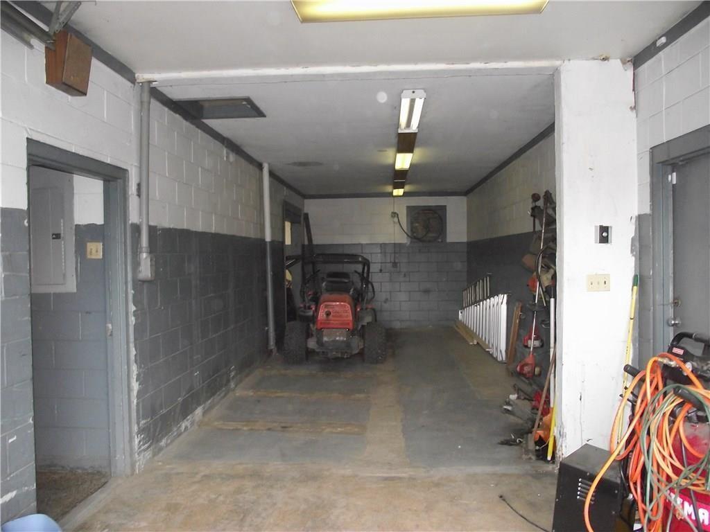 4500 Southeastern Avenue MLS 21690712 Empty photo 12
