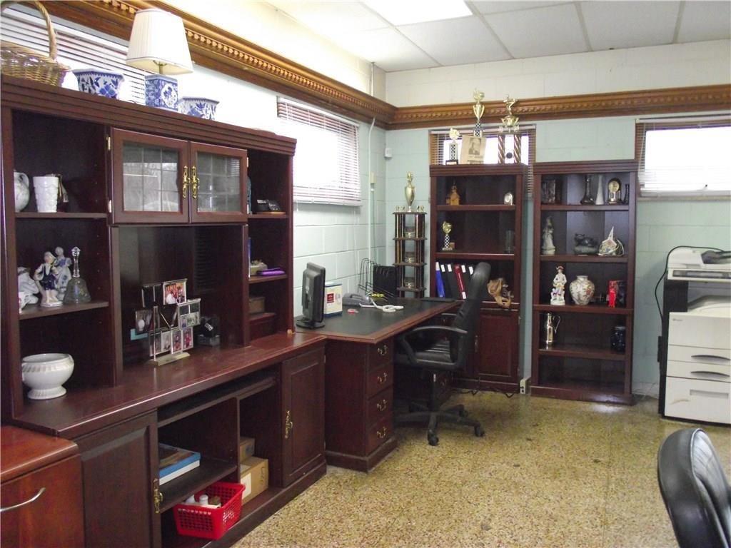 4500 Southeastern Avenue MLS 21690712 Empty photo 3