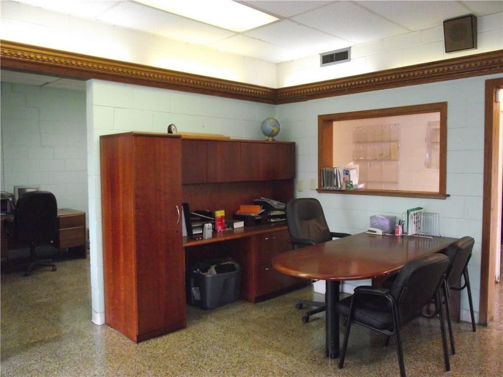 4500 Southeastern Avenue MLS 21690712 Empty photo 5