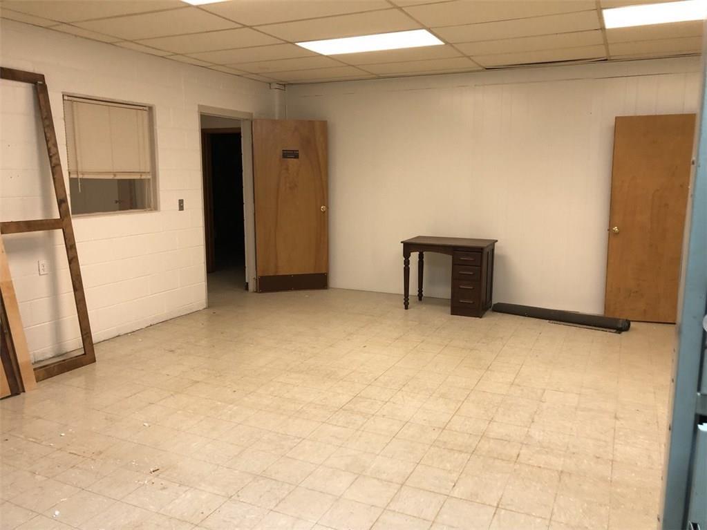 110 S 4th Street MLS 21691053 Empty photo 3