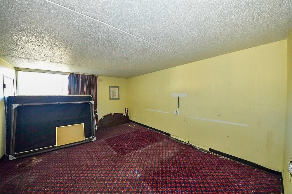 4505 S Harding Street MLS 21701316 Empty photo 10