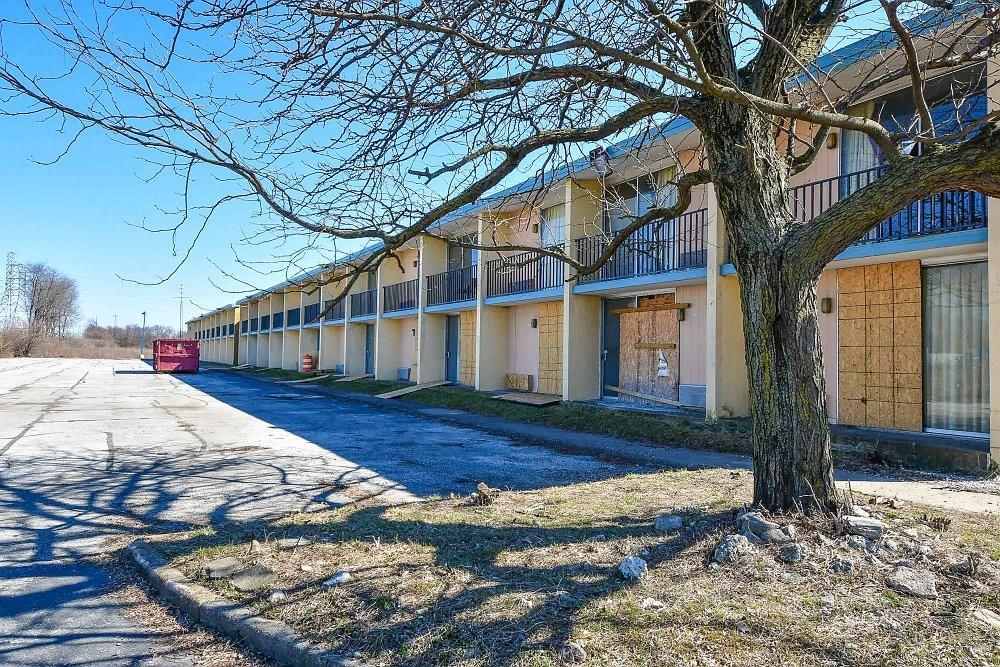 4505 S Harding Street MLS 21701316 Empty photo 22
