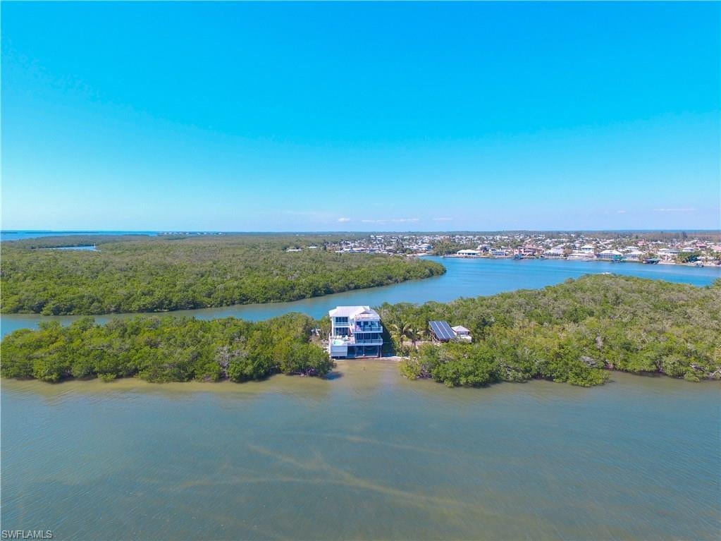 SW Florida Home for Sale - View SW FL MLS Listing #218031240 at 1 Cres Island in SANIBEL, FL - 33957