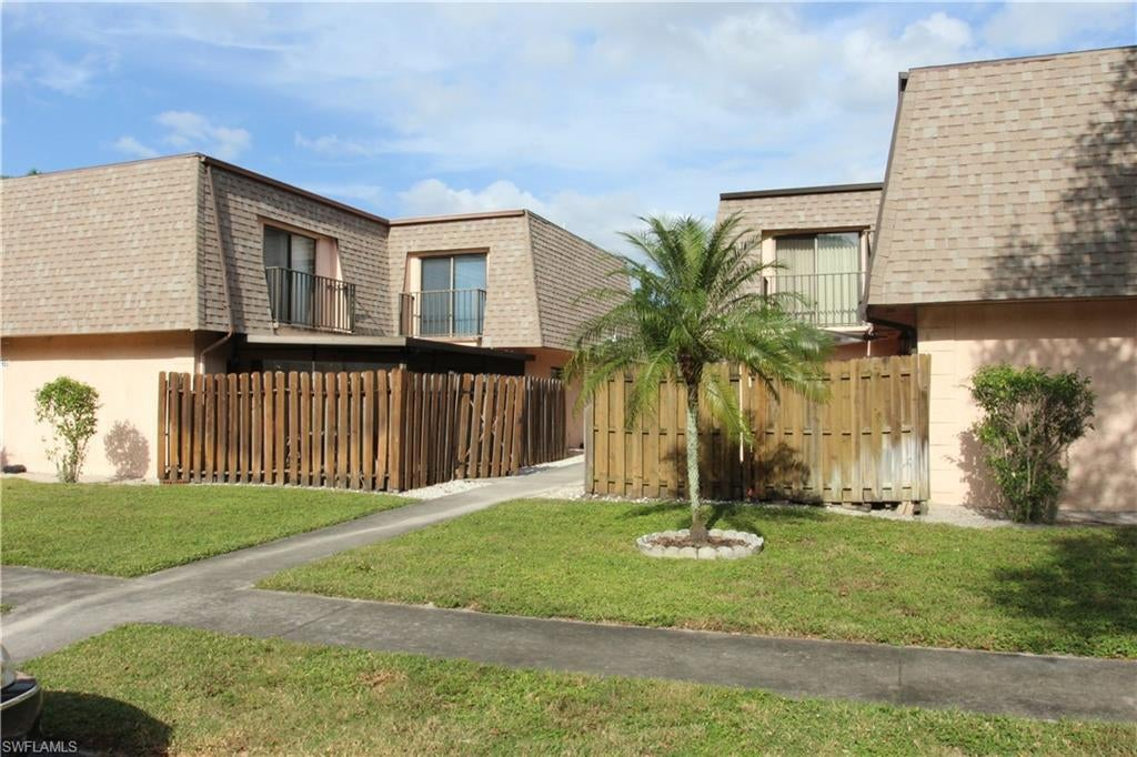SW Florida Home for Sale - View SW FL MLS Listing #218067021 at 17989 San Juan Ct # 4 in FORT MYERS, FL - 33967