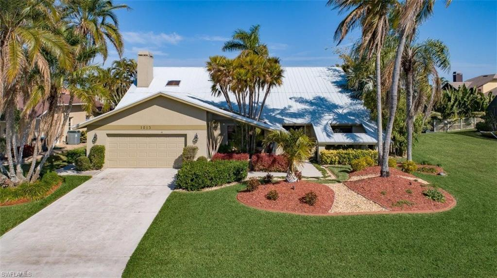 SW Florida Home for Sale - View SW FL MLS Listing #219009273 at 1213 Sw 54th St in CAPE CORAL, FL - 33914