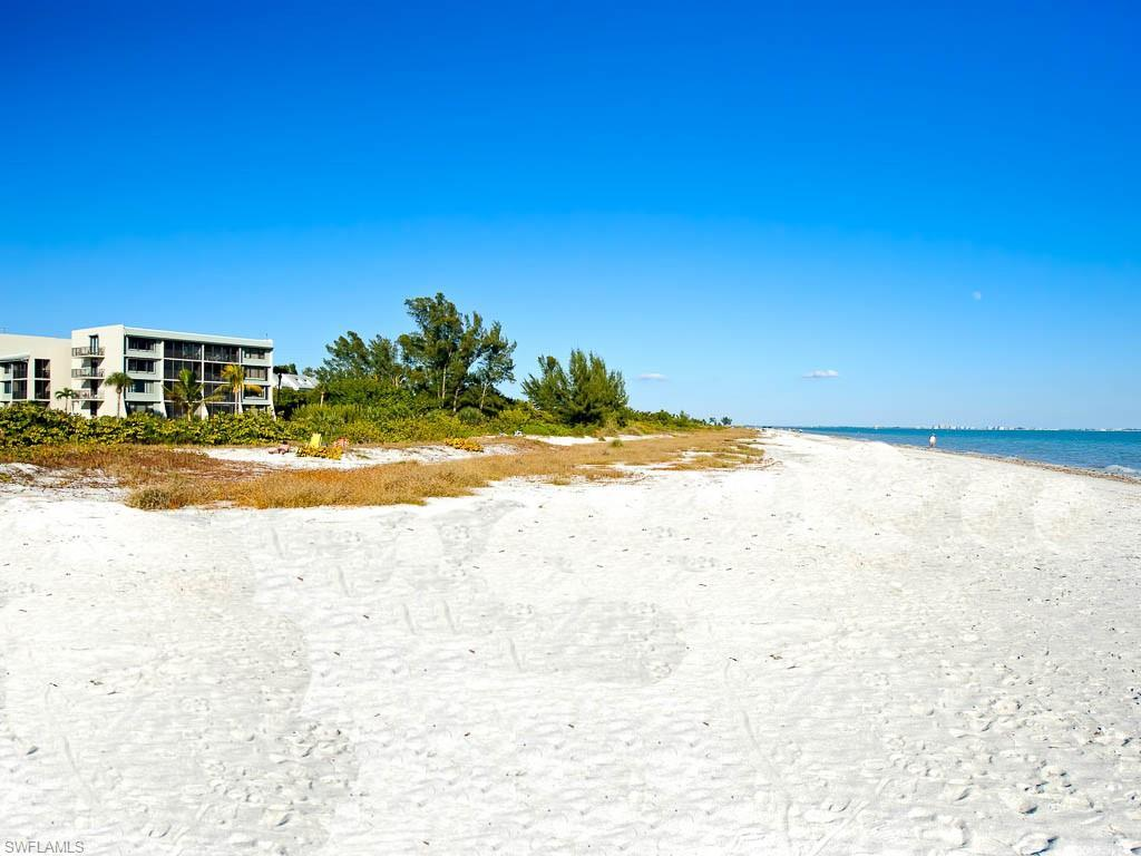 SW Florida Home for Sale - View SW FL MLS Listing #219013982 at 979 E Gulf Dr # D461 in SANIBEL, FL - 33957