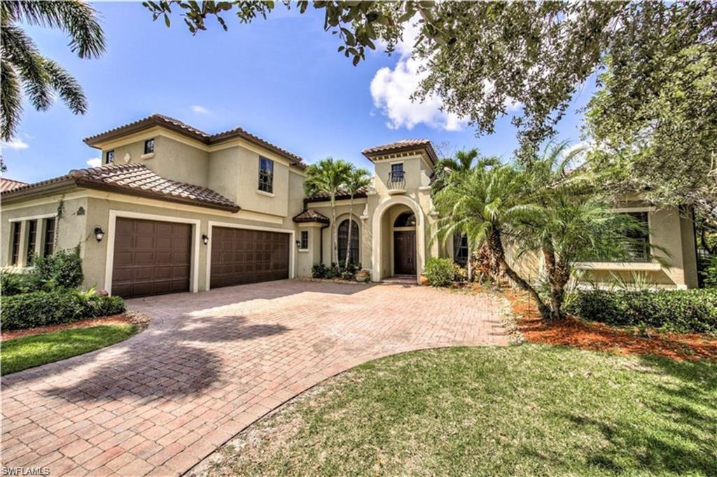 SW Florida Home for Sale - View SW FL MLS Listing #219015475 at 14648 Beaufort Cir in NAPLES, FL - 34119