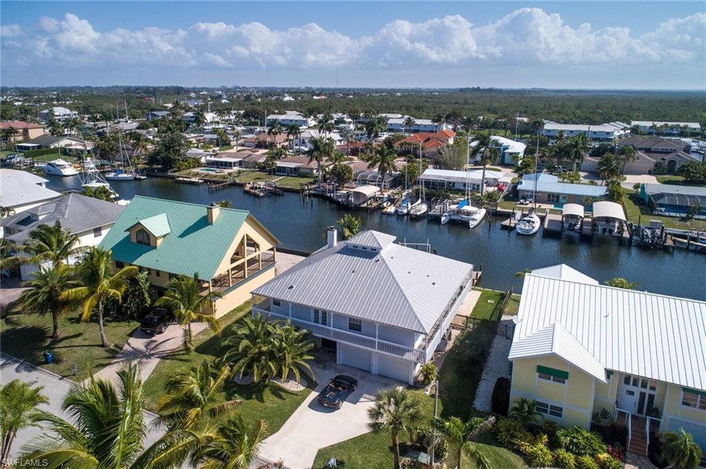FORT MYERS BEACH Real Estate - View SW FL MLS #219025641 at 18227 Deep Passage Ln in SIESTA ISLES at