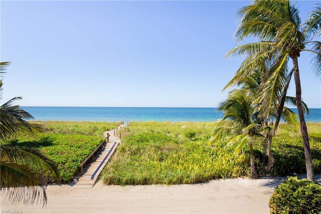 SW Florida Home for Sale - View SW FL MLS Listing #219032703 at 18 Beach Homes in CAPTIVA, FL - 33924