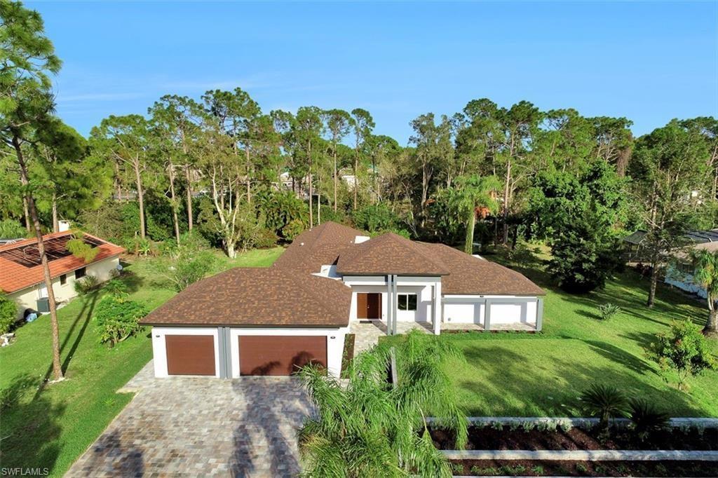 PINEHURST ESTATES Home for Sale - View SW FL MLS #219032878 at 13543 Pine Villa Ln in  in FORT MYERS, FL - 33912