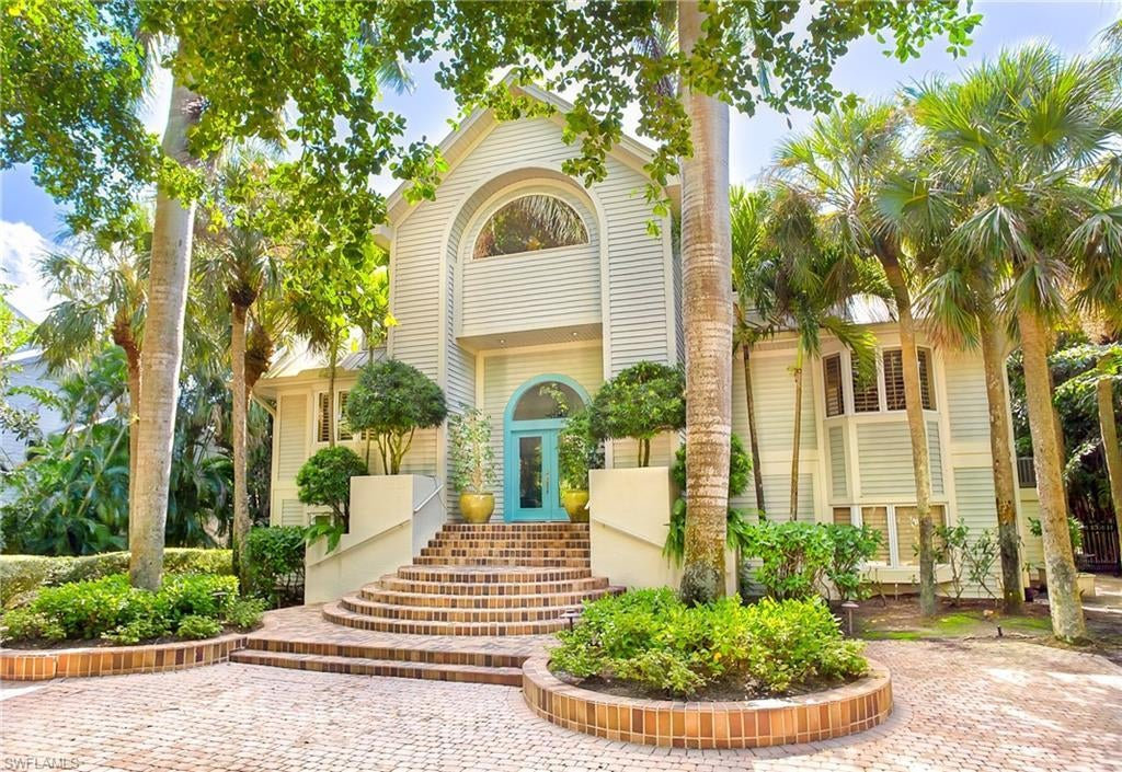 SW Florida Home for Sale - View SW FL MLS Listing #219039339 at 1323 Seaspray Ln in SANIBEL, FL - 33957