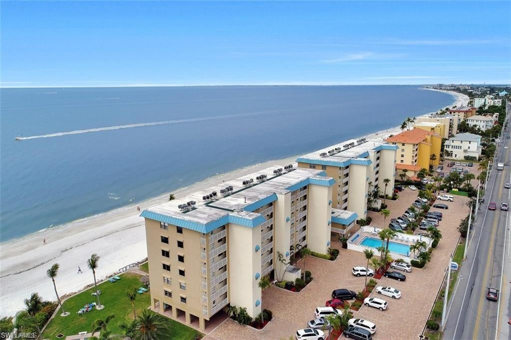 SW Florida Real Estate - View SW FL MLS #219043019 at 5100 Estero Blvd # 1b4 in SMUGGLERS COVE CONDO in FORT MYERS BEACH, FL - 33931