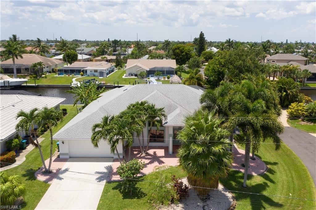 CAPE CORAL Real Estate - View SW FL MLS #219044441 at 3316 Se 18th Ave in CAPE CORAL in CAPE CORAL, FL - 33904