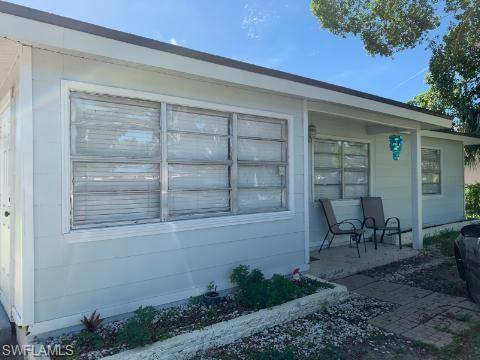 SW Florida Real Estate - View SW FL MLS #219048900 at 1613 Pawnee St in  in FORT MYERS, FL - 33916