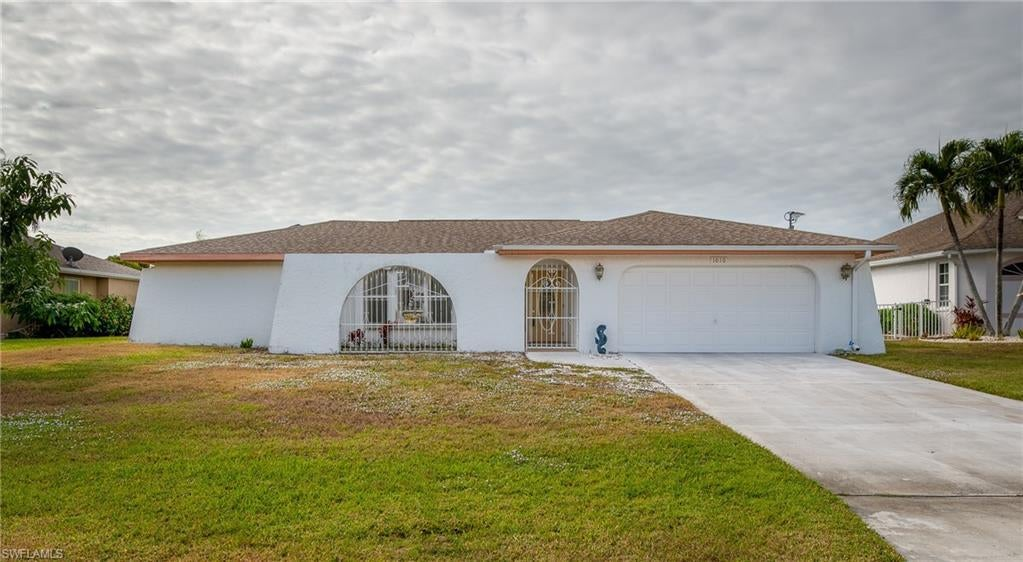 CAPE CORAL Real Estate - View SW FL MLS #219051296 at 1010 Se 21st Ave in CAPE CORAL at CAPE CORAL