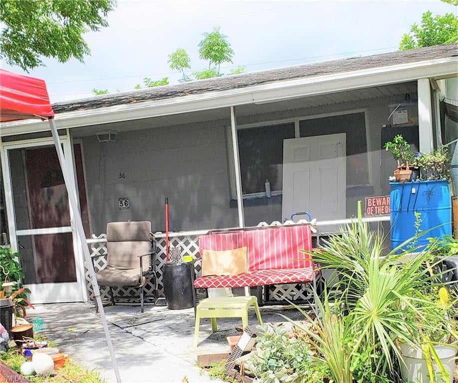 LEHIGH ACRES Real Estate - View SW FL MLS #219052672 at 36 Westminster St N in HOMESTEAD PARK at