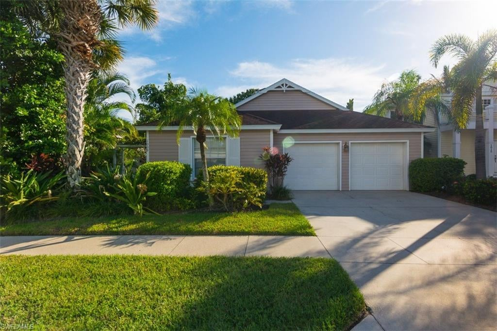 NAPLES Real Estate - View SW FL MLS #219052995 at 1009 Silverstrand Dr in MANATEE BAY at